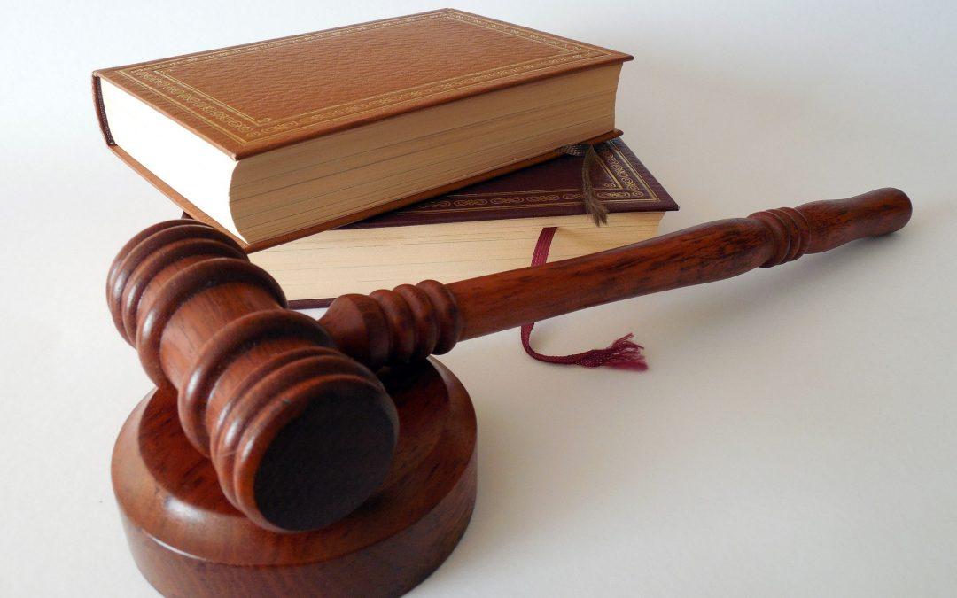 Los abogados llevan toga en España